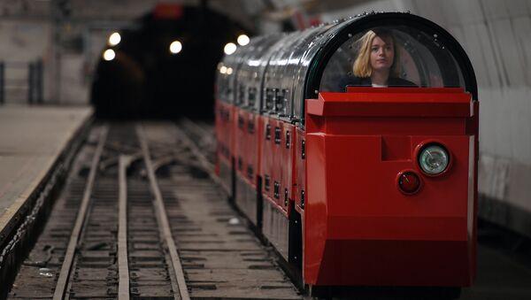 Londra metro müze - Sputnik Türkiye