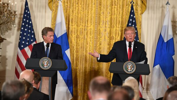 ABD Başkanı Donald Trump, Finlandiya Cumhurbaşkanı Sauli Niinistö - Sputnik Türkiye