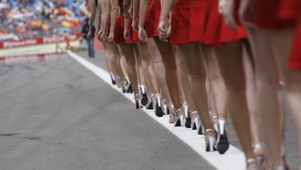 Formula 1 pistlerinin güzel  melekleri  grid kızları - Sputnik Türkiye