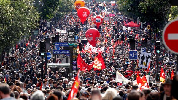 Paris'te protesto - Sputnik Türkiye