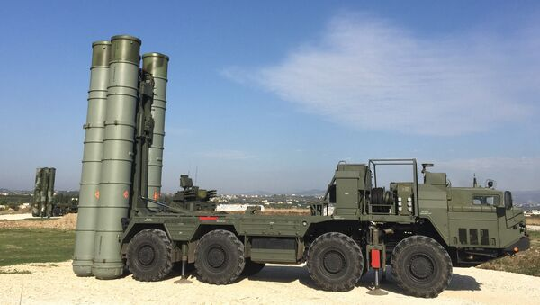 An S-400 air defence missile system at the Hmeymim airbase - Sputnik Türkiye
