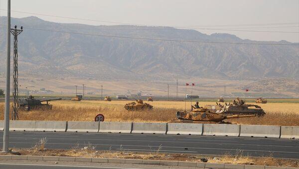 Irak sınırında tatbikat - Sputnik Türkiye