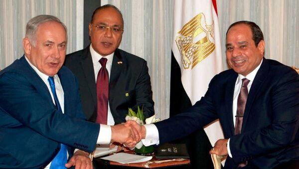İsrail Başbakanı Benyamin Netanyahu -Mısır Cumhurbaşkanı Abdülfettah el Sisi - Sputnik Türkiye