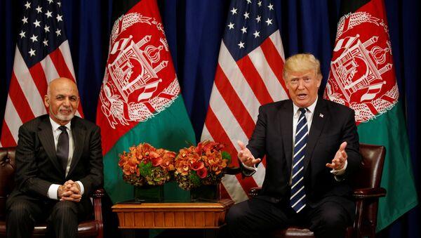 Afganistan Cumhurbaşkanı Eşref Gani, ABD Başkanı Donald Trump - Sputnik Türkiye