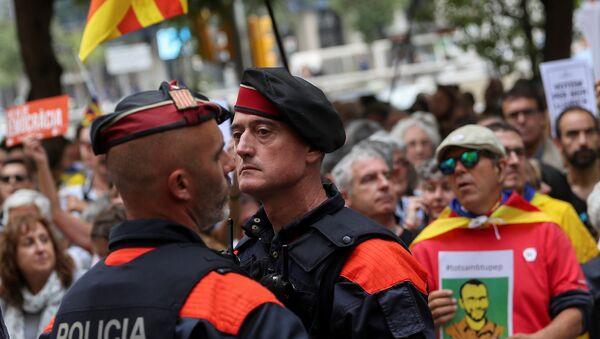 Katalonya'da güvenlik güçleri - Sputnik Türkiye