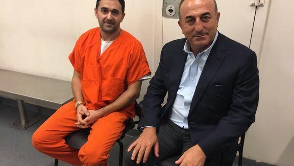 Dışişleri Bakanı Mevlüt Çavuşoğlu, Washington'da tutuklu 2 Türk'ü ziyaret etti - Sputnik Türkiye