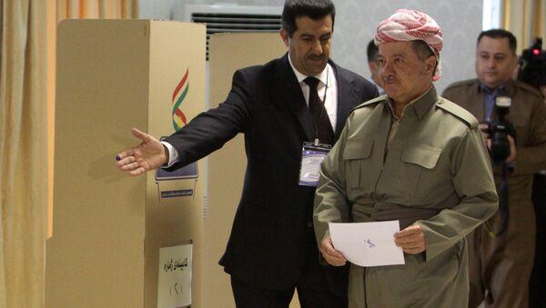 IKBY Başkanı Mesud Barzani, oyunu kullandı. - Sputnik Türkiye
