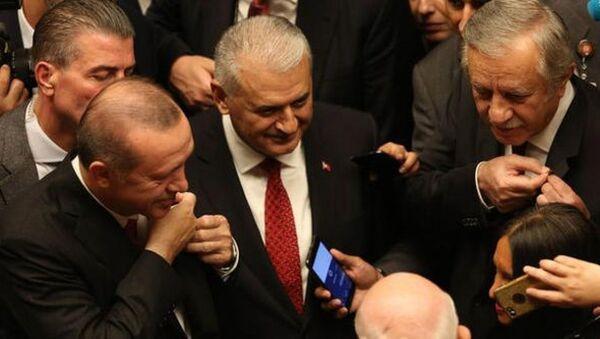 MHP Genel Başkan Yardımcısı Celal Adan ve Cumhurbaşkanı Recep Tayyip Erdoğan - Sputnik Türkiye