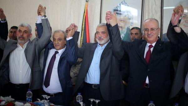 Filistin Başbakanı Rami el Hamdallah, Hamas Siyasi Büro Başkanı İsmail Heniyye - Sputnik Türkiye