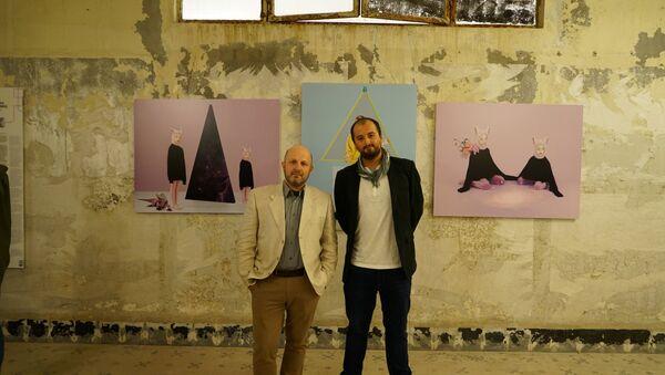 Fotoğrafçı Vladimir Pesnya ve Alejandro Martinez Velez Andrey Stenin yarışmasında ödül alanlar dahil dünyaca ünlü fotoğrafçıları ve seçkin eserlerini bir araya getiren Fotoİstanbul'da - Sputnik Türkiye