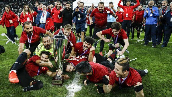 Türkiye Ampute Milli Takımı'nın şampiyonluk sevinci - Sputnik Türkiye