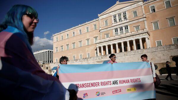 Yunanistan'da cinsiyet değiştirme hakkı için yapılan eylemden - Sputnik Türkiye
