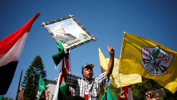 Filistinliler Hamas ve Fetih birleşmesini kutlamak için sokaklara çıktı - Sputnik Türkiye