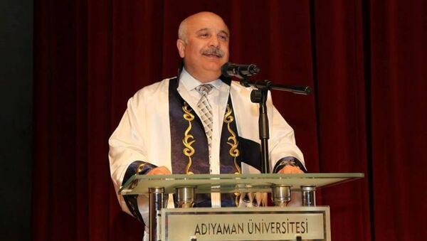 Adıyaman Üniversitesi Rektörü Mustafa Talha Gönüllü - Sputnik Türkiye
