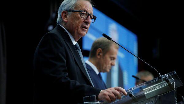 Avrupa Birliği (AB) Komisyonu Başkanı Jean-Claude Juncker, AB Konseyi Başkanı Donald Tusk - Sputnik Türkiye