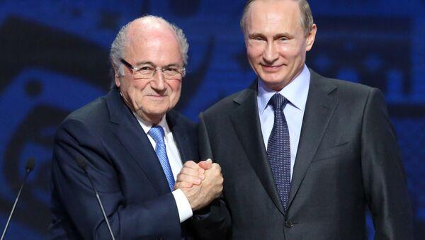 Sepp Blatter ve Vladimir Putin - Sputnik Türkiye