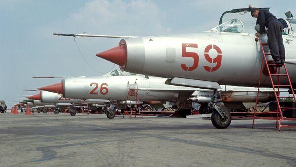 MiG-21 fighters at airfield - Sputnik Türkiye