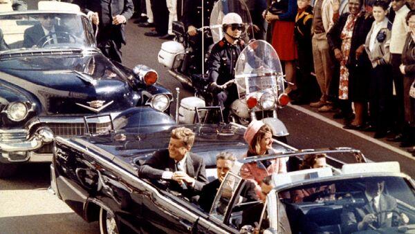 John F. Kennedy suikastinin gerçekleşme anı - Sputnik Türkiye