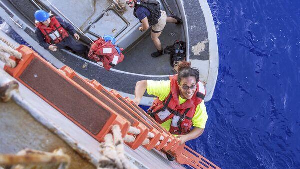 Okyanusta - kaybolan - denizciler - iki köpek - Sputnik Türkiye