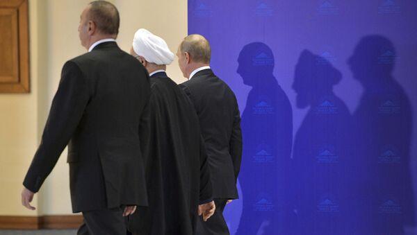 Rusya Devlet Başkanı Vladimir Putin, İran Cumhurbaşkanı Hasan Ruhani, Azerbaycan Cumhurbaşkanı İlham Aliyev - Sputnik Türkiye
