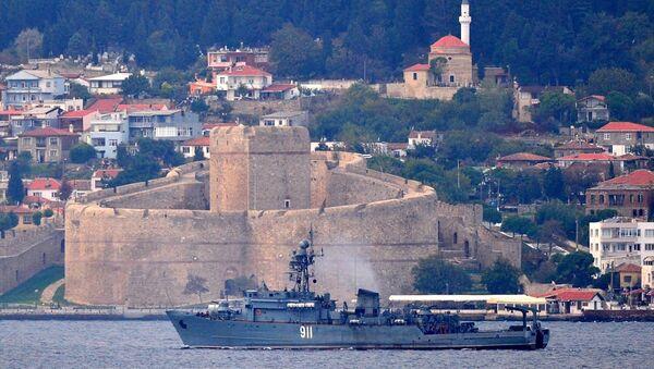 Rusya'nın Karadeniz Filosu'na bağlı 'İvan Golubets' - Sputnik Türkiye