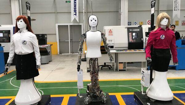 Türkiye'nin ilk insansı robot fabrikası açıldı - Sputnik Türkiye