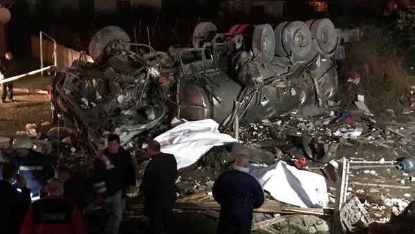 Düzce'de tanker kahvehaneye girdi - Sputnik Türkiye