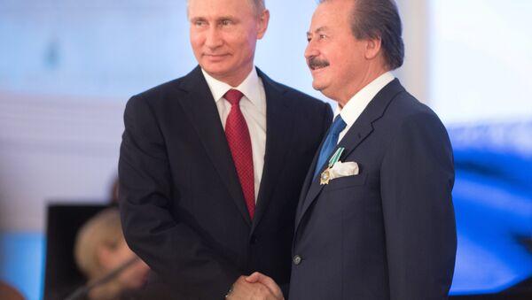Rusya Devlet Başkanı Vladimir Putin ve Cavit Çağlar - Sputnik Türkiye