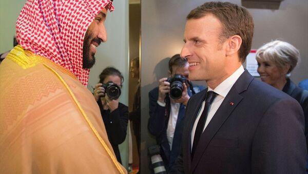 Fransa Cumhurbaşkanı Emmanuel Macron- Suudi Arabistan Veliaht Prensi ve Savunma Bakanı Muhammed bin Selman - Sputnik Türkiye