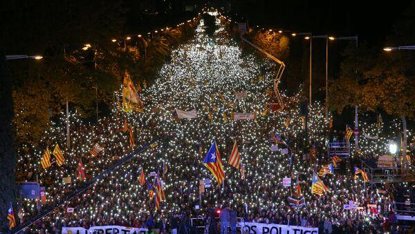 Tutuklu Katalonya siyasileri için protesto - Sputnik Türkiye