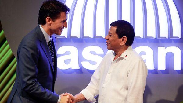 Kanada Başbakanı Justin Trudeau- Filipinler Devlet Başkanı Rodrigo Duterte - Sputnik Türkiye