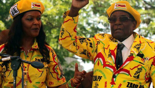 Grace ve Robert Mugabe - Sputnik Türkiye