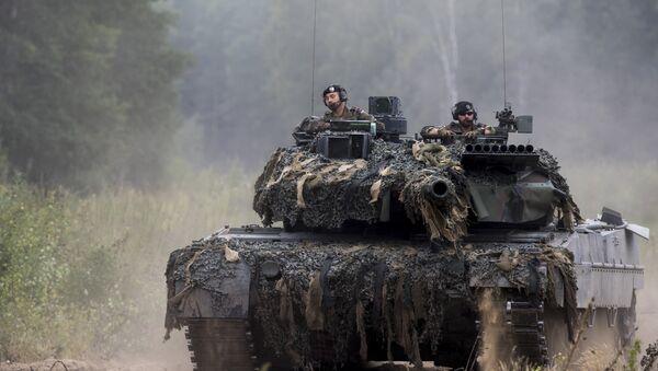 Alman Leopard tankı - Sputnik Türkiye