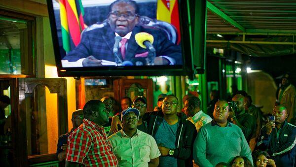 Zimbabve Devlet Başkanı Robert Mugabe ulusa seslendi - Sputnik Türkiye