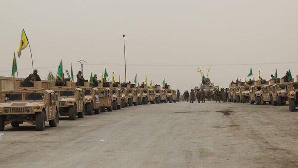 YPG, Deyr ez Zor'da Hummer'larla geçiş töreni yaptı - Sputnik Türkiye