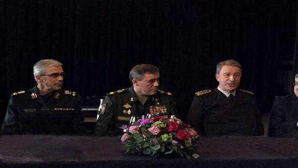 İran Genelkurmay Başkanı Muhammed Bakıri, Rusya Genelkurmay Başkanı Valeriy Gerasimov, Türkiye Genelkurmay Başkanı Hulusi Akar - Sputnik Türkiye
