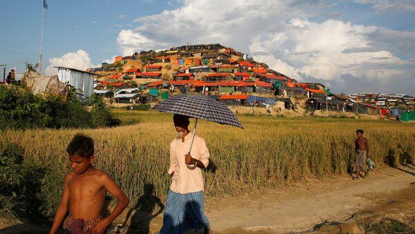Bangladeş'te Arakanlı Müslümanlar'ın kaldığı sığınmacı kampı - Sputnik Türkiye
