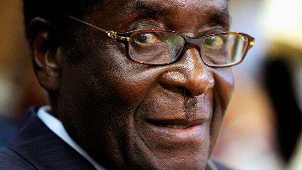 Eski Zimbabve Devlet Başkanı Robert Mugabe - Sputnik Türkiye