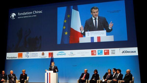 Chirac Vakfı Ödülü, Fransa Cumhurbaşkanı Emmanuel Macron tarafından Hrant Dink Vakfı Başkanı Rakel Dink'e sunuldu - Sputnik Türkiye