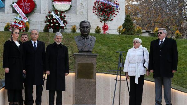 Rusya'nın Ankara Büyükelçiliği'nde Andrey Karlov anıtı açıldı - Sputnik Türkiye
