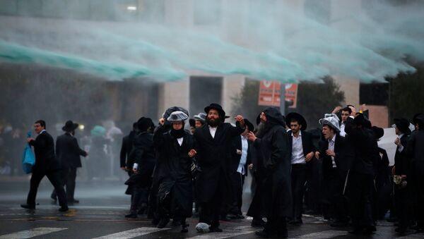 İsrail polisi 36 Ultra-Ortodoks Yahudiyi gözaltına aldı - Sputnik Türkiye