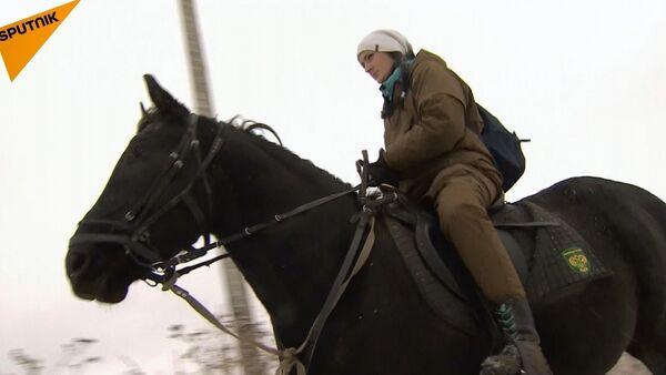 Rus atlı postacı kadın Çinlileri kendine hayran bıraktı - Sputnik Türkiye