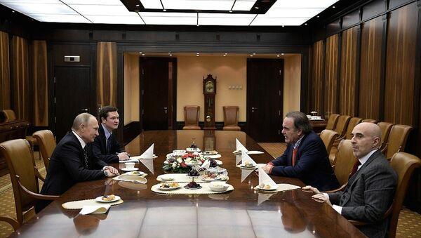 Putin, ABD'li yönetmen Oliver Stone'u kabul etti - Sputnik Türkiye