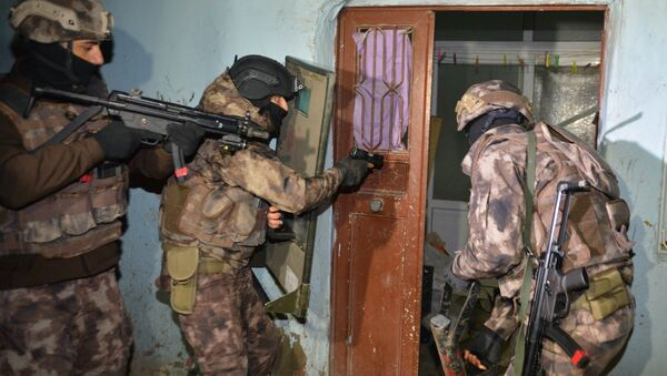Adana'da IŞİD operasyonu - Sputnik Türkiye