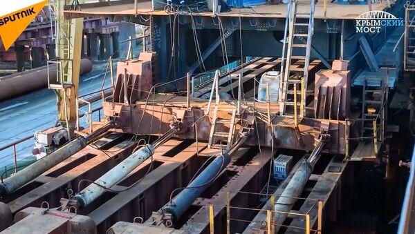 Kırım Köprüsü'nün otoyol şeritleri montaj çalışmaları böyle görüntülendi - Sputnik Türkiye