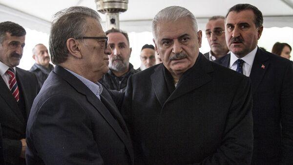 Binali Yıldırım, Mesut Yılmaz - Sputnik Türkiye