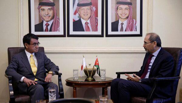 Japonya Dışişleri Bakanı Taro Kono ile Ürdünlü mevkidaşı Eymen Safadi - Sputnik Türkiye
