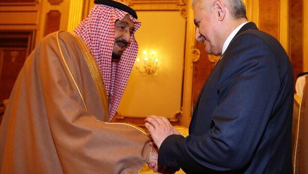 Başbakan Binali Yıldırım, resmi ziyareti kapsamında Suudi Arabistan Kralı Selman bin Abdulaziz ile bir araya geldi. - Sputnik Türkiye
