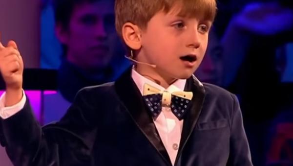6 yaşındaki Moskovalı Aleksandr, Hamlet tiradıyla dinleyenleri şaşırttı (Video Haber) - Sputnik Türkiye