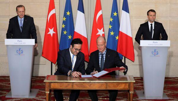 THY, Airbus'la 25 uçak için sözleşme imzaladı - Sputnik Türkiye